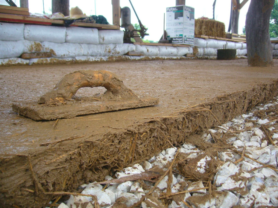 How to make an earthen or adobe floor off gridders - How to build an adobe house ...